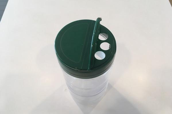 パルメザンチーズ容器の小さい口