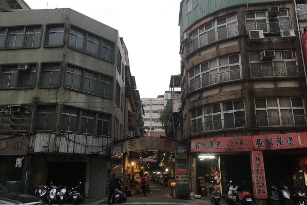 子連れ迪化街・永楽市場への入口
