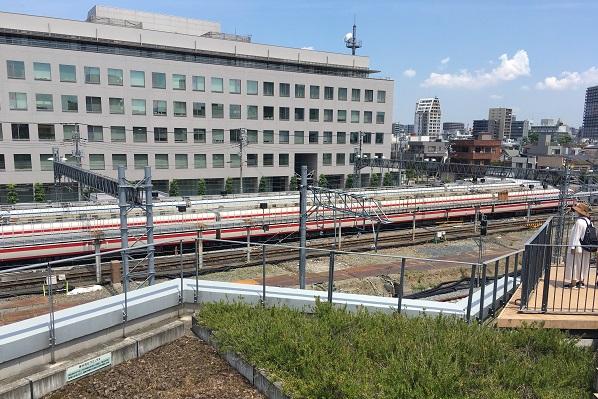 押上駅前自転車駐車場屋上広場・電車