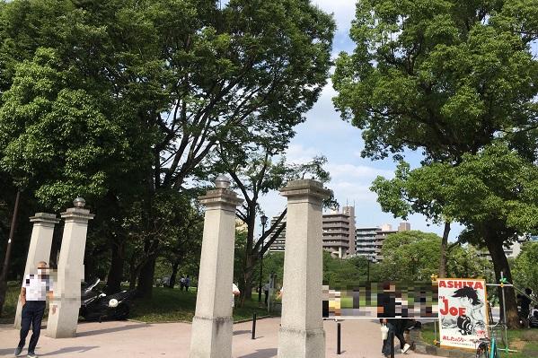 隅田公園・すみだリバーウォーク近くの公園入口