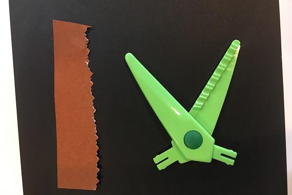 ダイソーギザギザハサミ・緑の刃