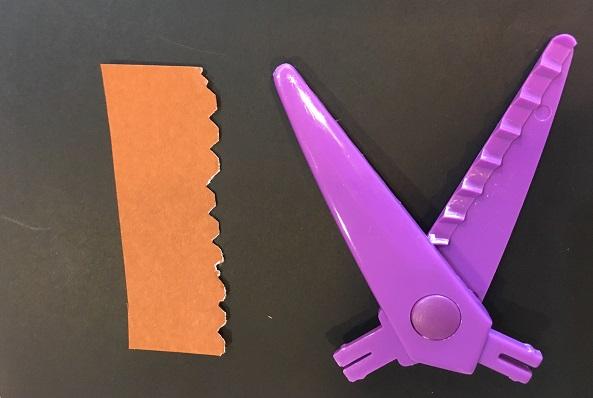 ダイソーギザギザハサミ・紫の刃