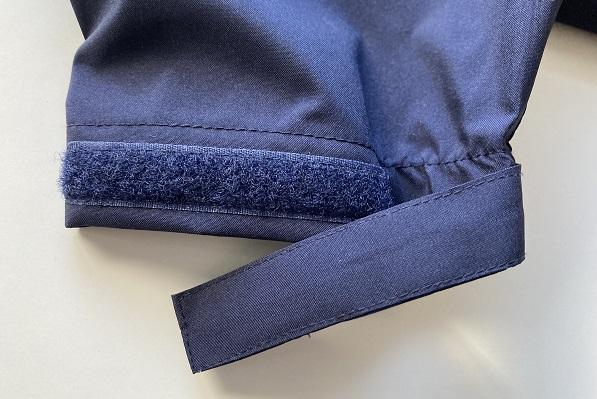 大雨ディズニーの服装・ワークマン女子の高撥水レインコート袖