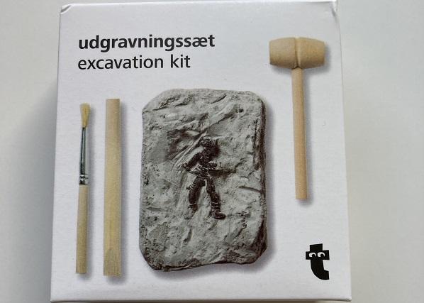フライングタイガー化石発掘おもちゃ